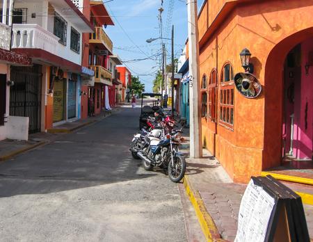 mujeres: Isla Mujeres Street Scene