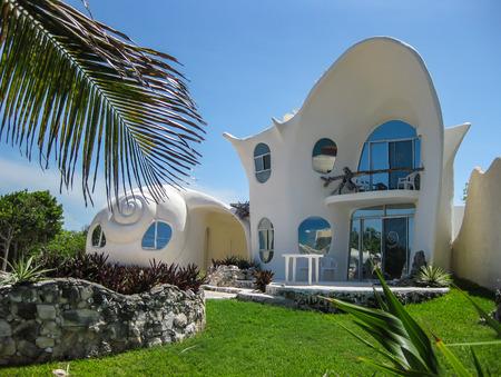 mujeres: Shell Shaped Home, Isla Mujeres, Mexico