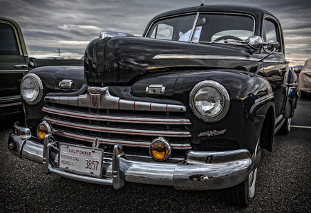 deluxe: Ford Super Deluxe