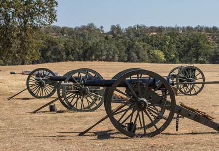 vestidos de epoca: Era Guerra Civil Cannon, reconstrucci�n de la guerra civil Editorial