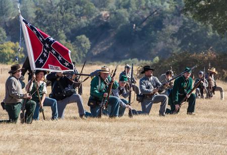 vestidos de epoca: Confederate  soldiers at a Civil War reenactment at Hawes Farm in Anderson, California.