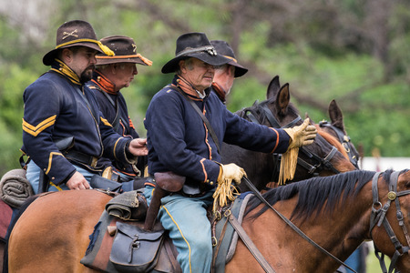 red bluff: Civil War mounted soldiers at the Dog Island reenactment in Red Bluff, California. Editorial