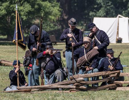 vestidos de epoca: Batalla de la guerra civil en Red Bluff, California.