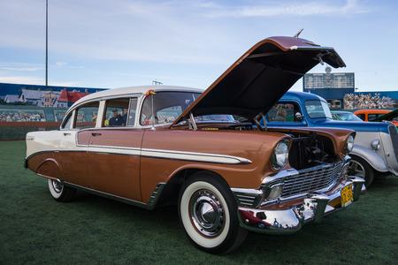 coche clásico en el Kool abril noches Mostrar en Redding, California. Editorial