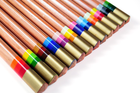 Special pencils with multicolour lead to produce varied trace