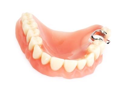 Tandheelkundige prothese op lichte achtergrond