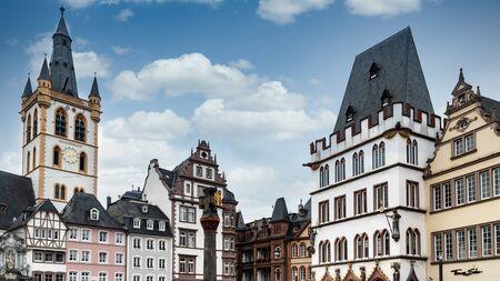 St. Gangolf Church and Steipe Building, Trier, Moselle River, Rhineland-Palatinate, Germany Zdjęcie Seryjne