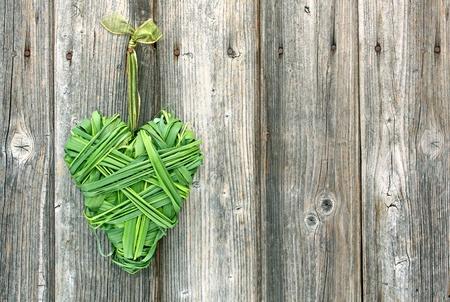 szív alakú zöld fű