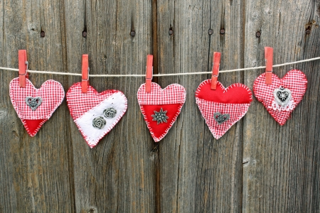 country life: five hand-made folk heart