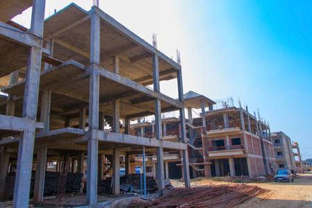 construction of big building, panipat, haryana, june 2019 Publikacyjne