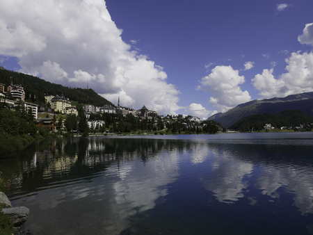 Panoramic view of the lake of Saintz Moritz 免版税图像