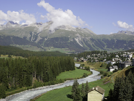 Panoramic view of the mountains around Pontresina 免版税图像