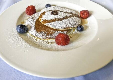 Very good and beautiful pancake with berries Reklamní fotografie