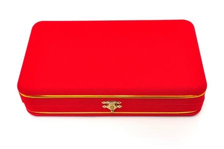 rood fluwelen doos op witte achtergrond