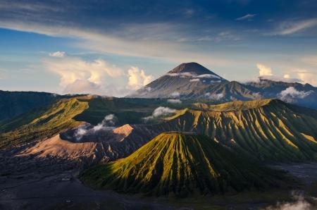 vulcano: Mount Bromo volcanoes in Bromo Tengger Semeru National Park, East Java, Indonesia.