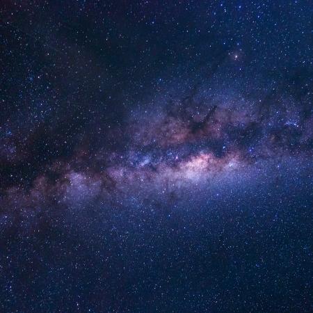 星と宇宙の塵の天の川銀河のカラフルなスペース ショット
