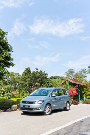 mpv: Volkswagen Sharan 2013 MPV, the entry level family car for 7 seat.