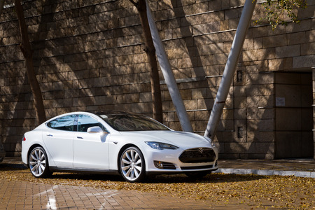 Tesla Model S Electronic Car in Hong Kong Market Reklamní fotografie - 26943386