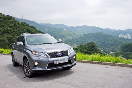 Lexus RX 450h Hybrid SUV 2012  Luxury SUV in Lexus  Used F-Sport option for enhance out look design