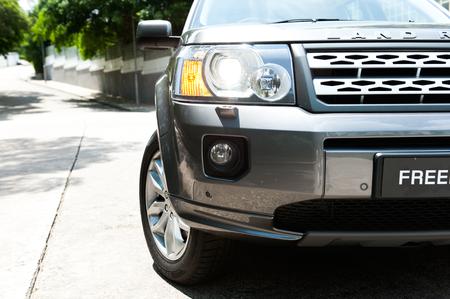 head light: Luz de la cabeza del guardabosques Rover, que se encuentra en profesional independiente fuera de la carretera.