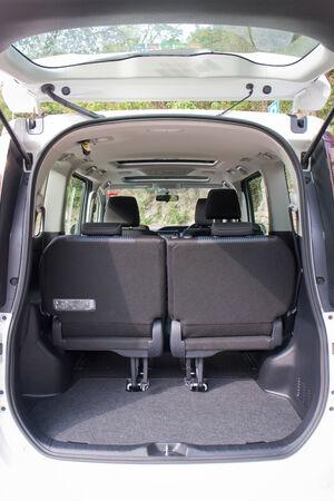mpv: Toyota Noah 2014 7 Seat MPV. The Top Sell in Asia.