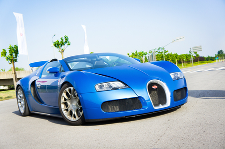Bugatti Grand Sport 16.4 display in Hong Kong 2011