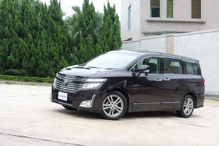 mpv: Nissan Elgrand MPV display in Hong Kong 2010 Editorial