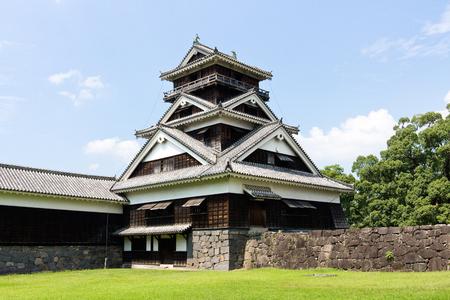熊本、日本 - 2014 年 5 月 2 日: 熊本城は丘の上の日本の城熊本県熊本市中央区に位置しています。それは大きく、非常によく要塞城だった。天守は 1