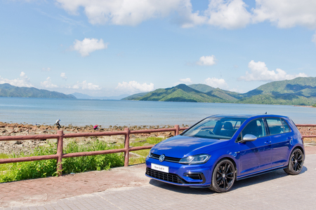 Hong Kong, China July 25, 2017 : Volkswagen Golf R 2017 Test Drive Day July 25 2017 in Hong Kong. 新聞圖片
