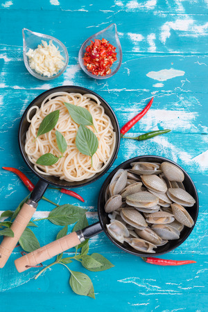 Spaghetti with short neck clams spicy with chili and garlic