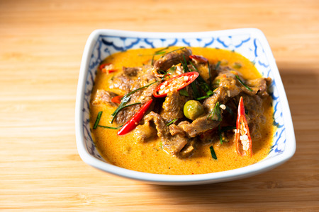Curry with Beef Recipe (Panang Neua). Thai food Beef peanut-coconut cream curry. 免版税图像