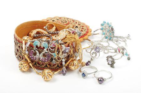 collares: Cuadro de joyer�a madera abierto con accesorio ronda se