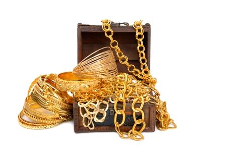 Chaînes et bracelets dorés Banque d'images - 81490573