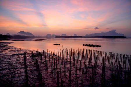 Scene of beautiful sky and crepuscular rays at Sam-Chong-Tai village, Phang-Nga, Thailand Stock fotó