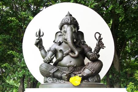 ganesh idol: Ganesh