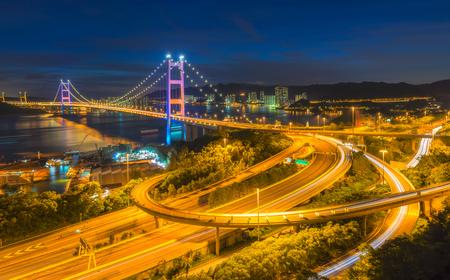 青馬大橋、香港。