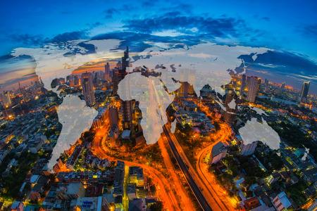世界ミステリー、バンコク、タイの街並みの空撮とグローバル ネットワークの地図作成グローバリゼーション。ビジネス地区のバンコク ビュー。