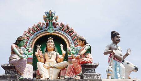 divali: Details of the decorations on the roof of the Sri Mariamman Hindu temple, Singapore Stock Photo
