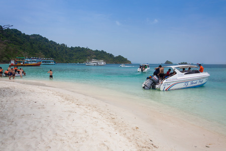 trad: Tourists return to mainland after snorkeling at Chang island,Thailand Editorial