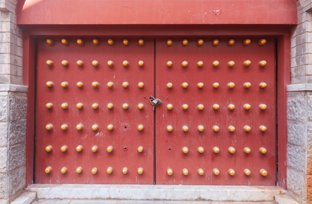 chinese philosophy: Ancient door of Chinese temple