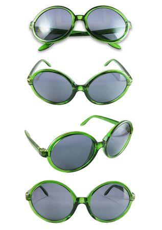 Ensemble de lunettes de soleil verts isol� sur le fond blanc