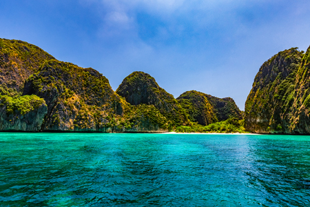 Maya Bay is one of the most famous beaches on Phi Phi Lay. But today there is no tourists on the beach because it needs to be temporarily closed Reklamní fotografie - 121043973