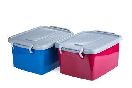 envases de plástico: recipientes de plástico aislados sobre fondo blanco Foto de archivo