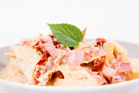 Pappardelle with cream, sun-dried tomatoes and smoked fish