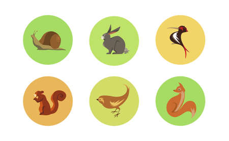 Set of Six Forest Animals Circle Icons 矢量图像