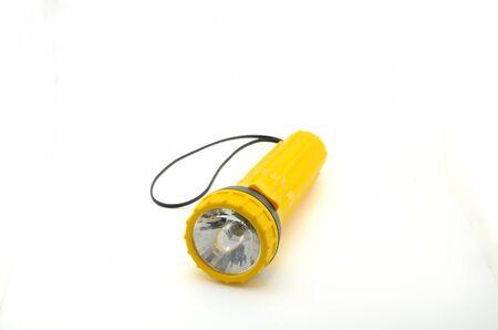 Een geel flitslicht dat met witte achtergrond wordt geïsoleerd