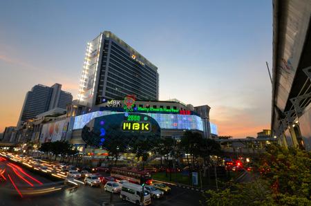 Bangkok straat 's nachts