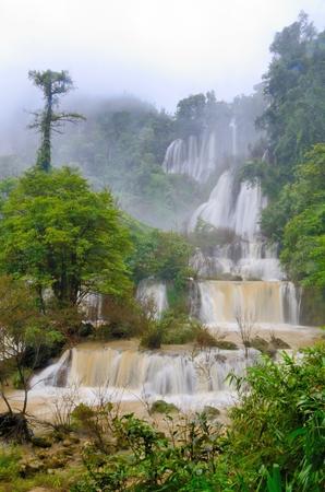 Thi Lo Su, de grootste Thailand waterval Portret