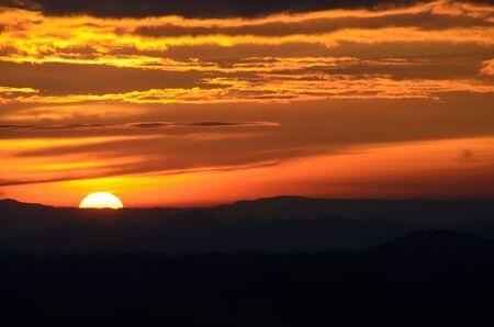 Zonsondergang bij Phu Kradung National Park, Thailand