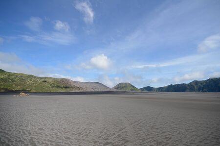 De Zee van Zand bij Bromo berg, Indonesië Stockfoto - 46909919